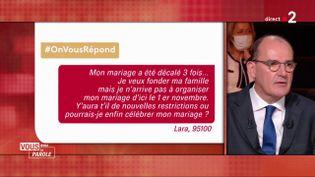 """Le Premier ministre Jean Castex répond à la question d'une internaute de franceinfo.fr sur le plateau de """"Vous avec la parole"""", sur France 2, le 24 septembre 2020. (FRANCE 2)"""