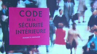 Sécurité intérieure: le gouvernement élargit les possibilités de fichage (FRANCE 2)