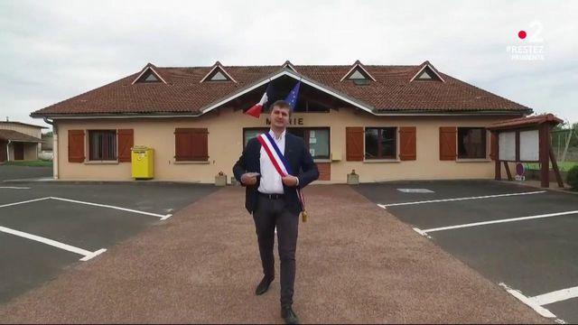 Élections municipales : rencontre avec le plus jeune maire de France