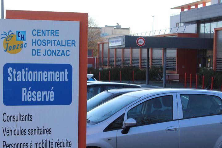 Joël Le Scouarnec a exercé à l'hôpital de Jonzac entre 2008 et 2017. (GOBIN MARIE-LAURE / MAXPPP)