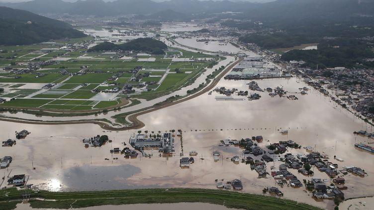 Des inondations à Omachi, dans la préfecture de Saga (Japon), le 28 août 2019. (JIJI PRESS / AFP)