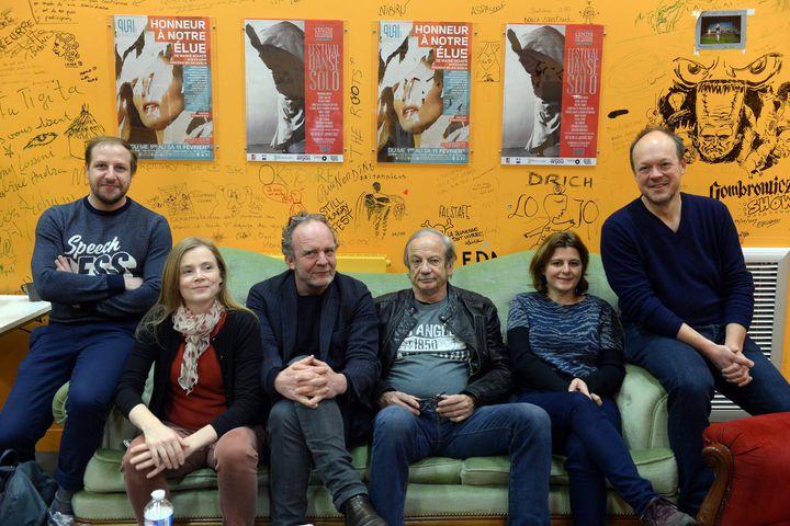 """L'équipe de la pièce """"Honneur à notre élue"""" de Marie Ndiaye, lors de sa présentation à la prese au théâtre d'Angers Le Quai.  (Josselin CLAIR/PHOTOPQR/LE COURRIER DE L'OUEST/MAXPPP)"""