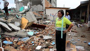 """Plus de 14 000 membres des forces de sécurité, 241 professionnels de santé et deux hôpitaux mobiles ont été dépêchés sur place, a annoncé le vice-présidentJorge Glas, car """"nous savons qu'il y a des citoyens sous les décombres qui doivent être secourus"""". Des renforts arrivent également de Colombie et du Mexique. (MAXPPP)"""