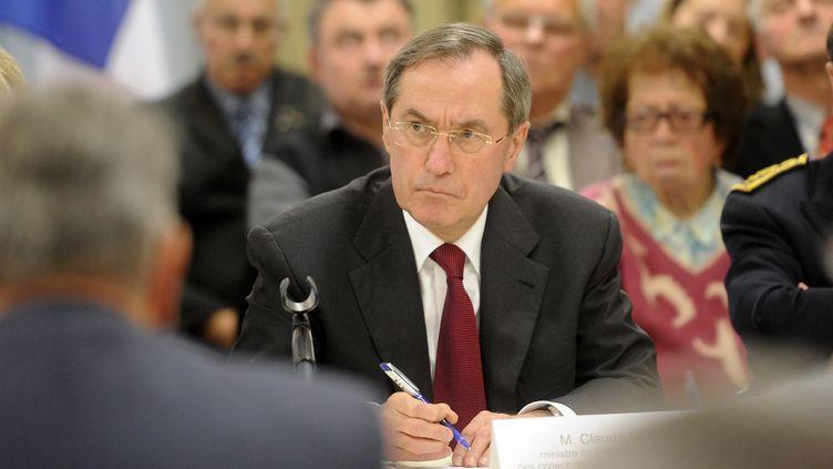 Le ministre de l'Intérieur, Claude Guéant, participe à une réunion électorate à Ecrouves (Meurthe-et-Moselle), le 2 mars 2012. (POL EMILE / SIPA)