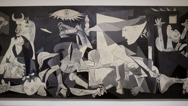 """Le tableau """"Guernica"""" de Picasso exposé au musée Reina Sofia de Madrid (2012)  (Paul White / AP / Sipa)"""