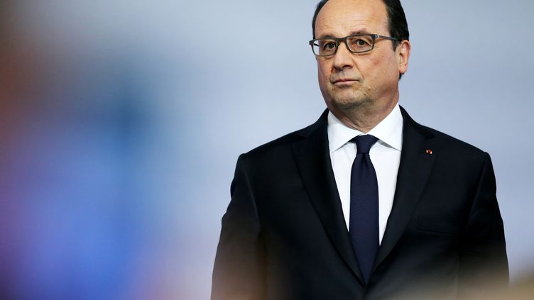 François Hollande, le 17 mai 2016, àGrand-Quevilly (Seine-Maritime). (CHARLY TRIBALLEAU / AFP)