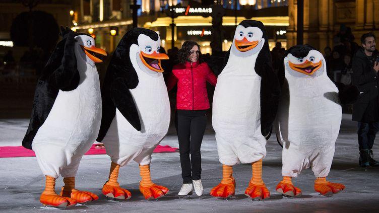 """Séance promotionnelle pour """"Les Pingouins de Madagascar"""" devant l'Hôtel de Ville de Paris.  (Pascal Montary)"""