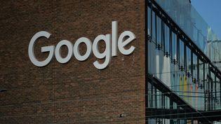 Un bâtiment de Google à Dublin (Irlande), le 22 janvier 2021. (ARTUR WIDAK / NURPHOTO / AFP)