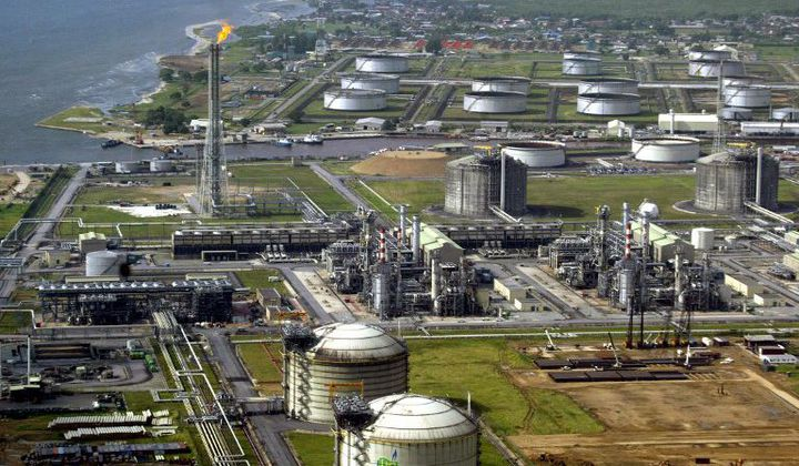 Installations pétrolières de la compagnie Shell et terminal gazier sur l'Ile de Bonny dans le delta du Niger, le 18 mai 2005. (Photo AFP)