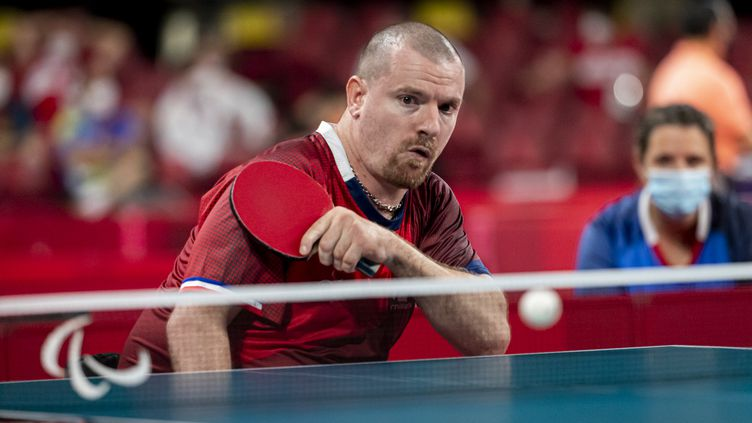 Florian Merrien sur le tournoi de simple en catégorie 4-5, samedi 25 août. (G.MIRAND / France Paralympique)