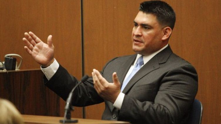 Alberto Alvarez, ancien garde du corps de Mickael Jackson, au procès du Dr Conrad Murray, le 29 septembre 2011. (AL SEIB / POOL / AFP)