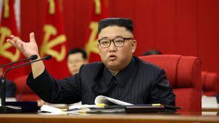 Ledirigeant nord-coréen Kim Jong-un, à Pyongyang, le 15 juin 2021. (KCNA / AFP)