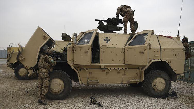 Des soldats allemands au camp Marmal à Mazâr-e Charîf (Afghanistan) le 27 novembre 2019. (FARSHAD USYAN / AFP)