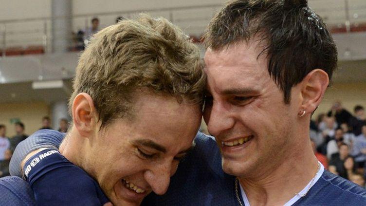 La joie de Vivien Brisse (à gauche) et Morgan Kneisky, sacrés à l'Américaine à Minsk