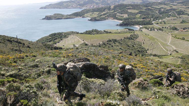 Des militaires s'entraînenet à Fort Béar, à Port-Vendres (Pyrénées-Orientales), en mai 2016. (Photo d'illustration) (RAYMOND ROIG / AFP)