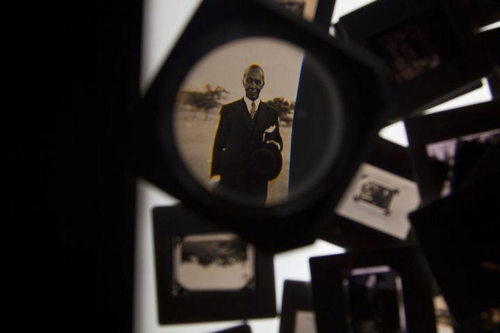 """George Mahashe, """"In between 3"""", 2014  (George Mahashe)"""