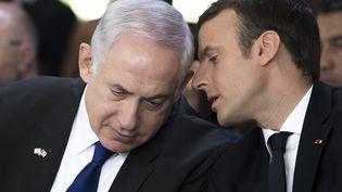 Benyamin Nétanyahou et Emmanuel Macron, le 16 juillet 2017. (KAMIL ZIHNIOGLU / POOL)