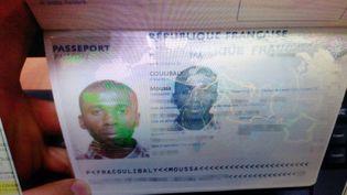 Le passeport de Moussa Coulibaly, photographié par les autorités turques. (TURKISH PRIME MINISTER'S OFFICE / AFP)