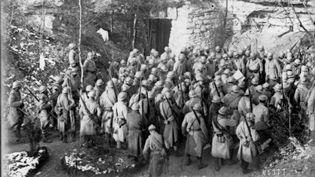 Le général Pétain a décidé d'afficher la sévérité après les mouvements massifs de mutinerie qui ont touché l'armée française ces dernières semaines. (GALLICA / BNF)