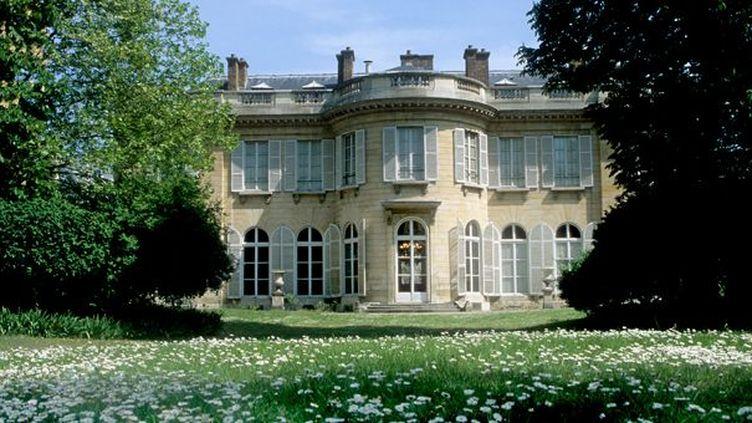 Hôtel de Bourbon-Condé : Façade sur jardin (12 rue Monsieur, 7e)  (Gilles Targat)