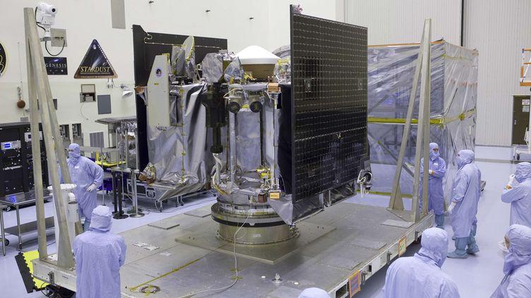 Une image diffusée par la Nasa, le 21 mai 2016, montre la sonde Osiris-Rex, en Floride. (DIMITRI GERONDIDAKIS / AP / SIPA)