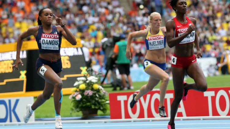 Johanna Danois, 3e de sa série du 200 m  (ALEXANDER NEMENOV / AFP)