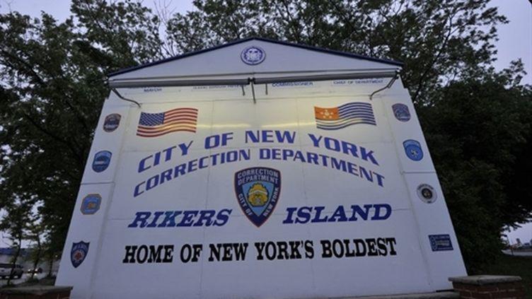 L'enseigne de Rikers Island, le centre pénitentiaire de New York où Dominique Stauss-Kahn a été écroué (16 mai 2011) (AFP / Jewel Samad)