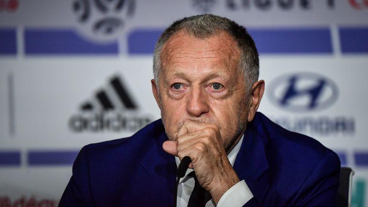 Jean-Michel Aulas en conférence de presse le 10 juin 2020 à Lyon. (JEFF PACHOUD / AFP)