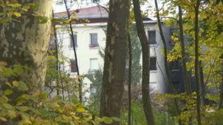 Des logements de la gendarmerie touchés par un incendies à Meylan (Isère) dans la nuit du 25 au 26 octobre (FRANCE 2)