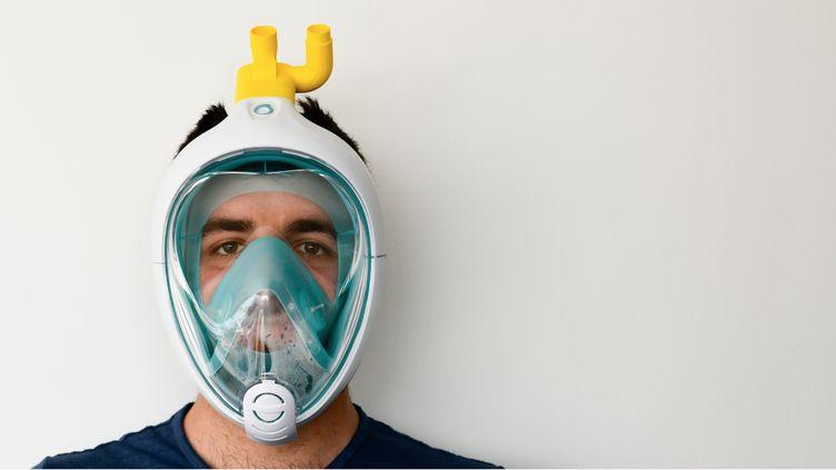 Capture d'écran du site internet de la société italienne Isinnova qui a été la première à adapter le masque Easybreath de Décathlon. (CAPTURE D'ÉCRAN ISINNOVA)