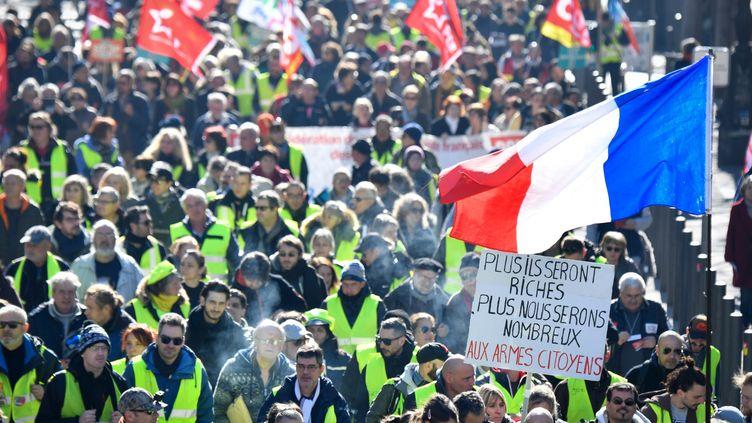 """Des membres de l'ultra droite ont infiltré les cortèges des """"gilets jaunes"""" (photo d'illustration, 5 février 2019). (GERARD JULIEN / AFP)"""