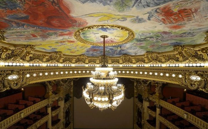 Inauguré en spetembre 1964, le nouveau plafond de l'Opéra Garnier peint par Marc Chagall a été commandé par André Malraux et Georges Pompidou  (RIEGER BERTRAND / HEMIS.FR)