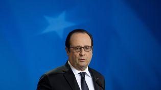 François Hollande s'exprime en marge d'un sommet européen, le 17 décembre 2015, à Bruxelles (Belgique). (ALAIN JOCARD / AFP)