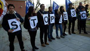 Des enseignants manifestent contre la réforme du bac et les épreuves appelées E3C, à Toulouse (Haute-Garonne), le 15 janvier 2020. (ALAIN PITTON / NURPHOTO / AFP)