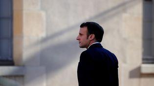 Le président de la République Emmanuel Macron lors d'un discours à l'Ecole militaire, à Paris, le 7 février 2020. (FRANCOIS MORI / POOL / AFP)