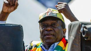 Le président zimbabwéenEmmerson Mnangagwa, lors d'un meeting électoral à Harare le 28 juillet 2018. (JEKESAI NJIKIZANA / AFP)