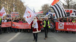 Travailleurs indépendants, commerçants et artisans manifestent, le 9 mars 2015, à Paris, contre les dysfonctionnements de leur régime de protection sociale, leRSI. (BENOIT ZAGDOUN / FRANCETV INFO)