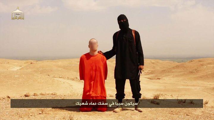 (Une image extraite de la vidéo insoutenable mise en ligne par l'État islamique © Capture d'écran)