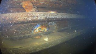 """Extrait des images tournées dans l'épave du """"HMS Terror"""", englouti dans l'Arctique. (RYAN HARRIS / PARKS CANADA AGENCY / AFP)"""