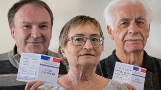 Suzy, Patrick et Guy, retraités à Saint-Nazaire (Loire-Atlantique), en mars 2017.  (RÉGIS PICART / RADIO FRANCE)