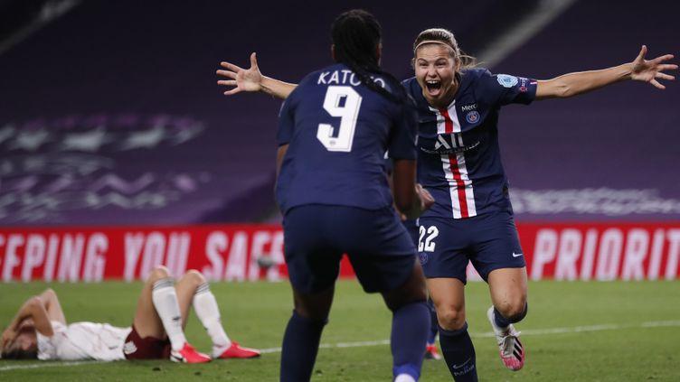 La Parisienne Signe Bruun après son but en quarts de finale de Ligue des Champions contre Arsenal. (CLIVE BRUNSKILL / POOL)