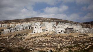 LePremier ministre israélien n'aurait pas informé les Etats-Unis avant l'annonce de la construction de nouveaux logements en Cisjordanie, 5 000 au total depuis l'investiture de Donald Trump. (MENAHEM KAHANA / AFP)