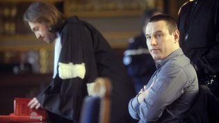 Marc Machin (à d.), accompagné de son avocat, Me Louis Balling, avant le début de son procès à la Cour de révision, le 2 mars 2010. (OLIVIER LABAN-MATTEI / AFP)