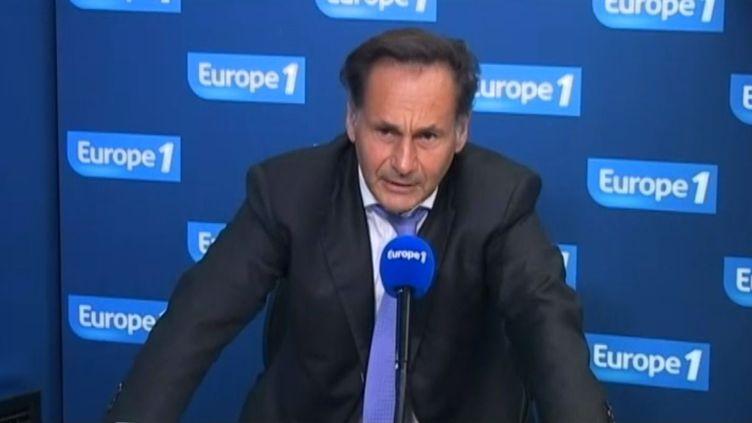 Pierre-Olivier Sur, bâtonnier du barreau de Paris, au micro d'Europe 1, le 6 janvier 2014. (EUROPE 1 / FRANCETV INFO)