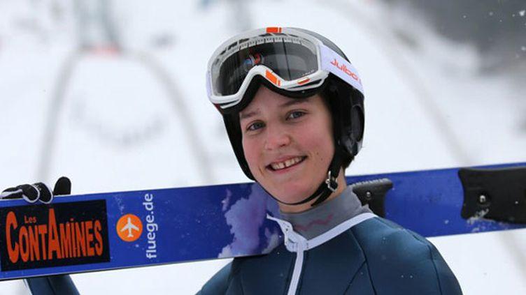 La sauteuse à ski française Coline Mattel
