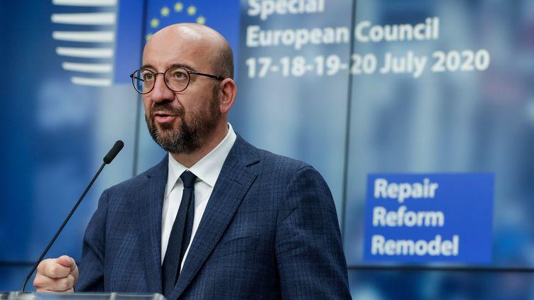Le président du Conseil européen, Charles Michel, lors d'une conférence de presse après un sommet européen de quatre jours au Conseil européen de Bruxelles, le 21 juillet 2020. (STEPHANIE LECOCQ / POOL)