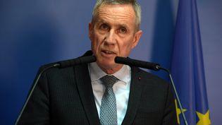 Le procureur François Molins, le 21 avril 2017, lors d'une conférence de presse après l'attaque de policiers sur les Champs-Elysées. (CHRISTOPHE ARCHAMBAULT / AFP )