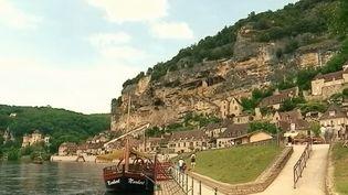 Le feuilleton du 13 heures nous emmène cette semaine sur les routes du Tour de France. L'occasion de suivre les producteursde Dordogne exporter en Allemagne les saveurs de la région. (FRANCE 2)