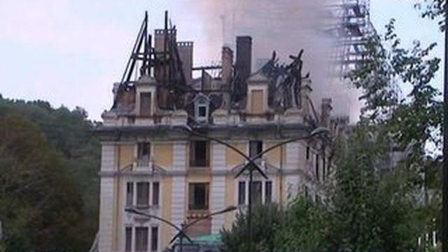 """Aix-les-Bains : Incendie de l'ancien palace """"Le Bernascon"""""""