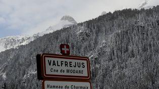 La station de Valfréjus, en Savoie, où s'est déclenchée une avalanche qui a causé la mort de cinq militaires, le18 janvier 2016. (JEAN-PIERRE CLATOT / AFP)